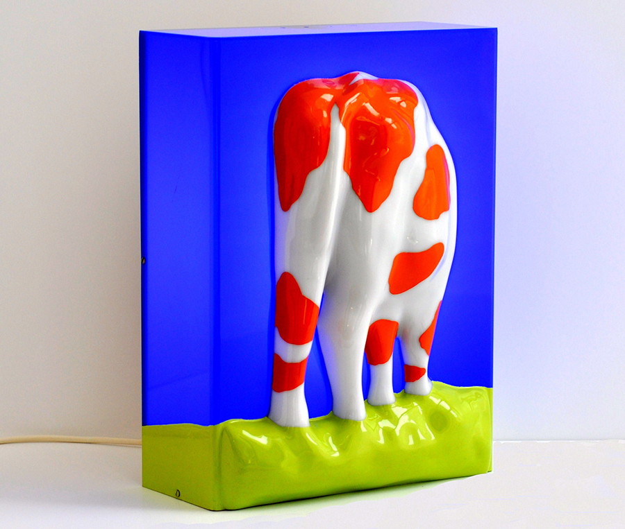 1968 - Koe - multiple (10) - lichtobject, polyester op perspex - 40 x 30 x 17 cm - Wim Gijzen - Dutch art Netherlands